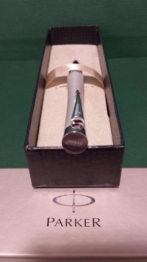 INSEAD Parker pen pearl